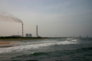 A coal-fired power plant in Chennai, hundreds of kilometres from the nearest coal mine (Image by Prateek Rungta)