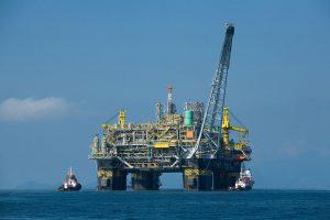 位于巴西的石油平台。在当前经济环境和存在偿还风险的情况下,中国仍持续向拉美国家发放贷款。图片来源:Divulgação Petrobras / ABr