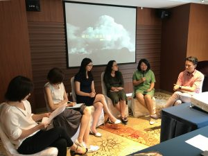 Chinese journalists discuss how to better report on the climate at the chinadialogue/CANGO 2018 outstandingclimate reporting seminar(Image: Yao Zhe)