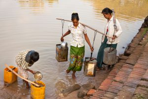 Collecting water from a lake, Minnanthu, Bagan, Myanmar (Image: Alamy)