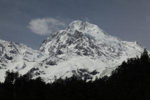 横断山脉贡嘎山主峰海洋性冰川