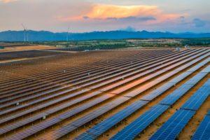 越南宁顺省的太阳能光伏项目。图片来源:Alamy