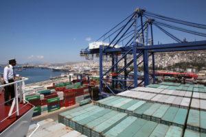 希腊比雷埃夫斯港。图片来源:Alamy