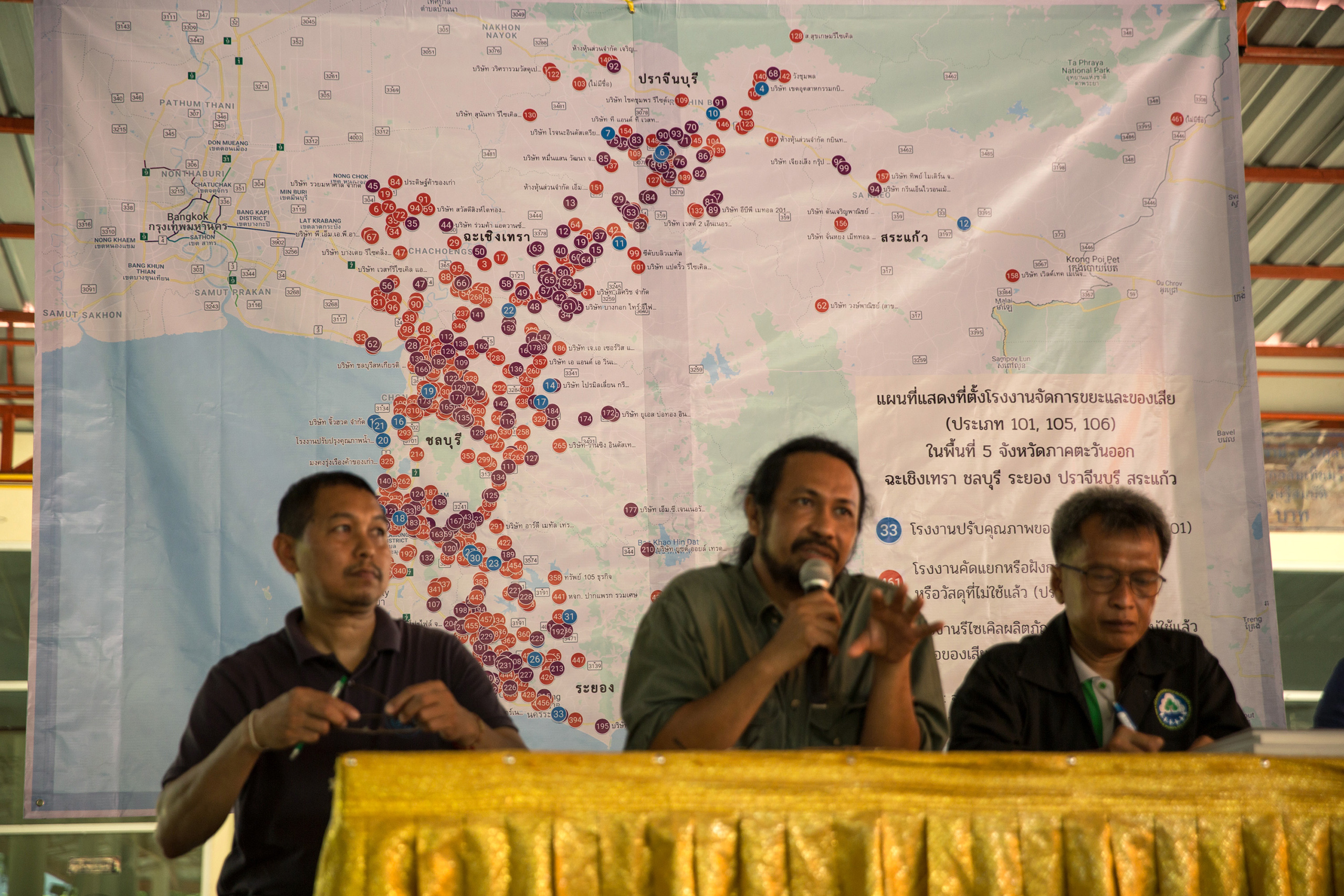 During a forum organised by Somnuck Jongmeewasin representatives from 5 provinces discuss the problems their communities face from factory pollution.